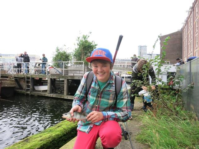 street fishing Amsterdam 023