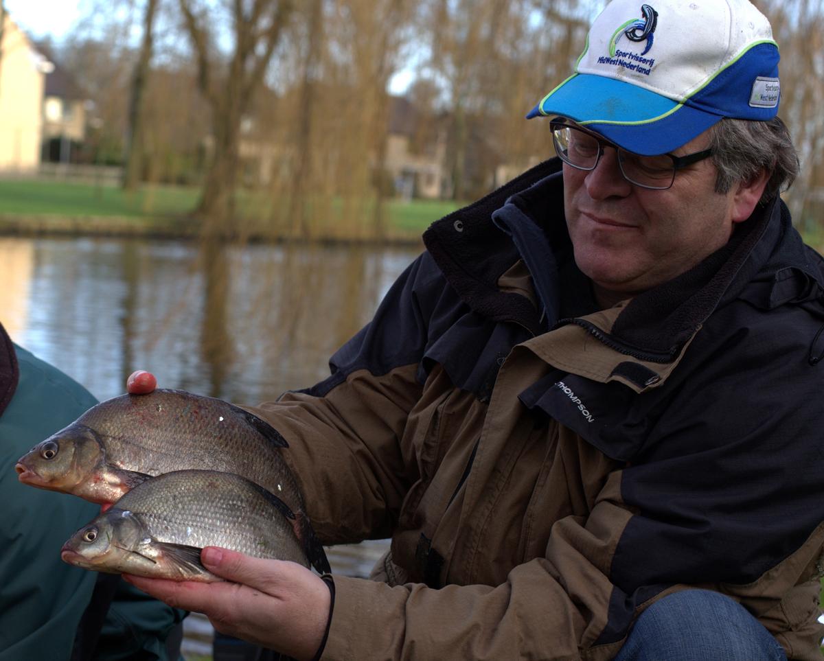 271b 13 12 2015 Limmen, HSV viswedstrijd Peter vd Heijdt